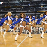 Las Cheerleaders de los Dallas Cowboys. Copyright 2010 NBAE (Photo by Garrett Ellwood/NBAE via Getty Images)